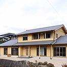 自社設計施工のひのきを使った2世帯住宅